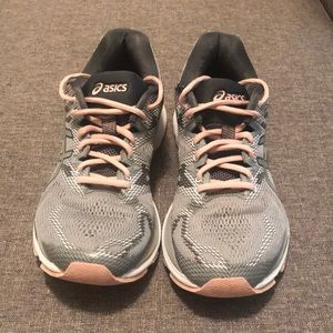 ASICS Nimbus 20 running shoes, size 8 medium